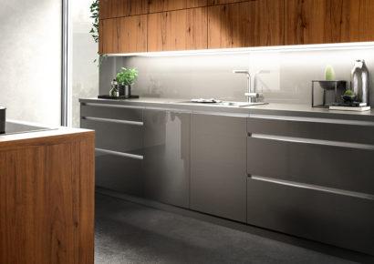 Küchen-Platz recherchiert Reinigungsmittel für Küchenfronten