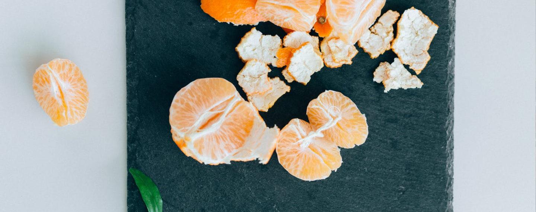 Mandarinen auf dem Teller